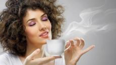 femeie.cafea