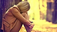 femeie.tristă
