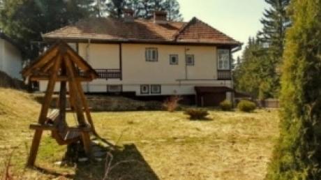 Se vinde vila lui Ceauşescu din Predeal: Prețul de pornire este de 300.000 de euro