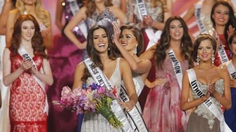 """A fost aleasă Miss Universe 2015. Cine este """"cea mai frumoasă femeie din lume"""""""