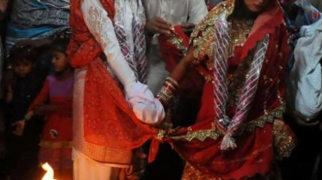 O mireasă din India s-a căsătorit cu un nuntaș, după ce mirele a suferit o criză de epilepsie în timpul ceremoniei