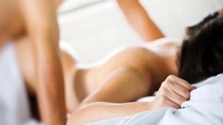Cele mai bune poziţii pentru SEX de dimineaţă
