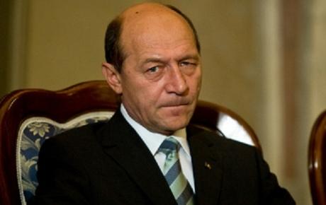 Traian Băsescu, roşu de FURIE! Ce a făcut după ce au apărut imaginile cu amantul Elenei Udrea