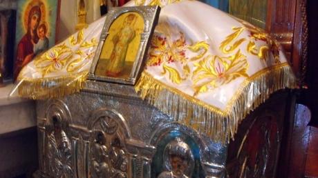 INCREDIBIL! Doi preoţi români au FURAT moaştele unui sfânt din Grecia