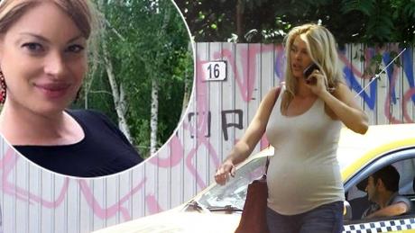 FOTOGRAFIE realizată în această dimineaţă cu burtica de GRAVIDĂ! Cum a fost pozată, după ce ieri s-a spus că ALINA BORCEA este însărcinată