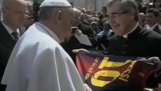 Papa Francisc a primit tricoul lui Messi