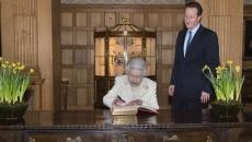 Regina Elisabeta a II-a şi David Cameron