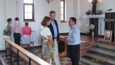 Iohannis si sotia, la biserica
