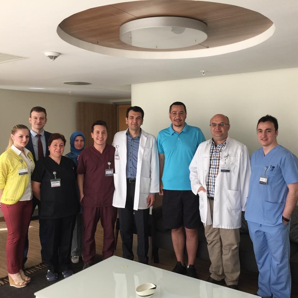 Victor Ponta si echipa de medici