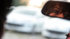 femeie volan