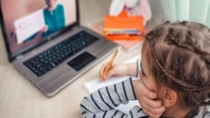 250.000 de tablete vor fi distribuite elevilor pentru şcoala online