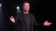 Elon Musk va dezvălui prima interfaţă dintre creier şi computer