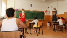 Aproape jumătate din angajaţii români vor ca şcoală să înceapă cu prezenţă fizică pentru copii lor