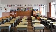 6 din 10 părinţi consideră că şcoala ar trebui să înceapă în sistem clasic
