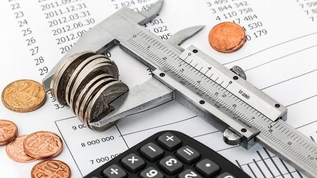 Deficitul bugetar ar putea urca la 9% din PIB