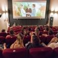 Spectatorii nu vor putea să mai stea unul lângă celalalt în sala de cinema