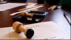 Legea care permite românilor din Diaspora să voteze două zile la alegeri a fost promulgată de Iohannis