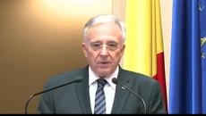 Procesul în care CNAS cere recunoaşterea calităţii de colaborator al Securităţii a lui Mugur Isărescu a început