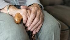 Tichete pentru masă caldă pentru pensionarii cu venituri mici