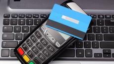 2 din 5 români vor să renunţe la plăţile cu cash în următoarele luni