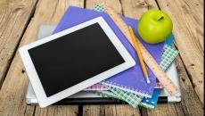 Orange rămâne câştigătoare pe cele 3 loturi de tablete şcolare