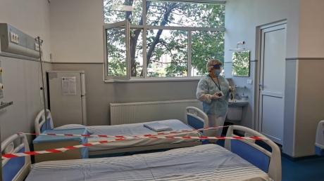 """Manager spital suport-COVID: """"Când om ajunge la 2.000 de cazuri, deja simt apa la gât"""""""